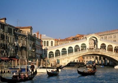 ZWIEDZANIE I PLAŻOWANIE W SŁONECZNEJ ITALII